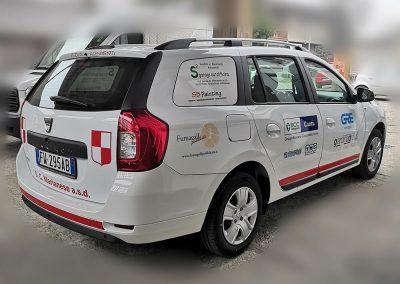 Decorazione Dacia con sponsor aziendale