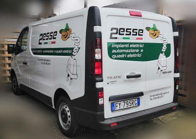 Decorazione Renault trafic con stampa digitale prespaziata